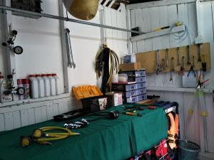 tioman-dive-buddy-scuba-equipment-repair-room